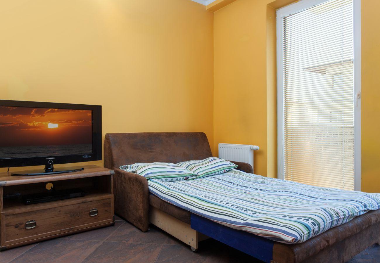 Zimmer, Sofa, TV, Miete