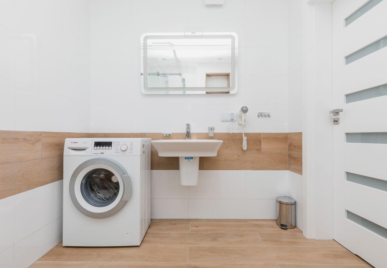 Bad, Dusche, Waschbecken, WC, Waschmaschine, Miete