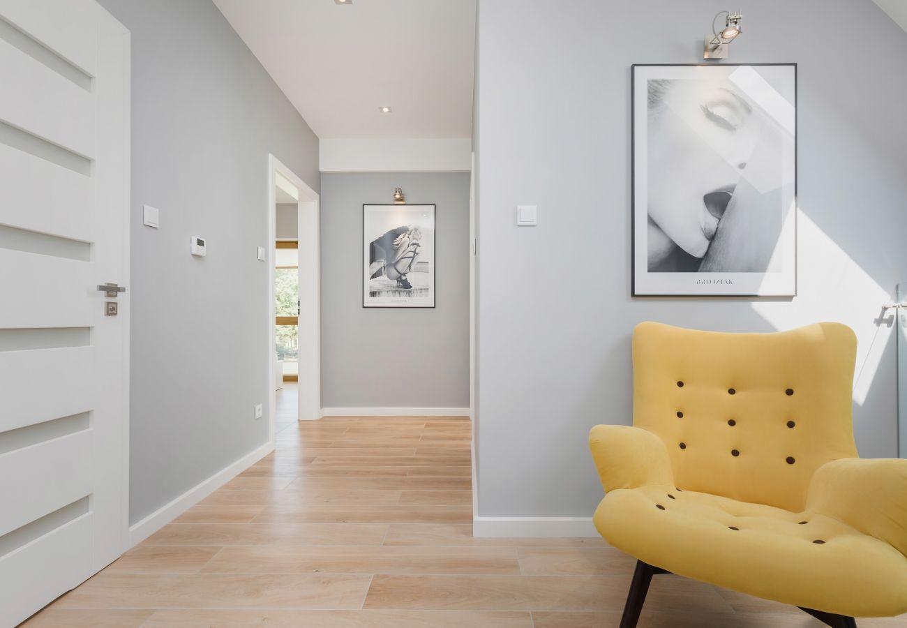 Innenraum, Treppe, Sessel, Fenster, Miete