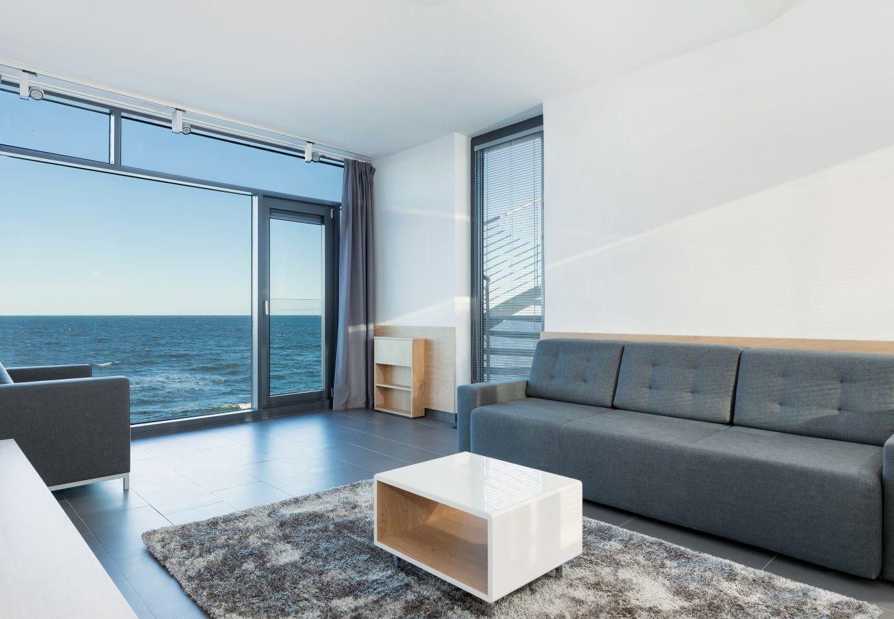 Wohnzimmer, Sofa, Couchtisch, Sessel, Außenansicht, Miete