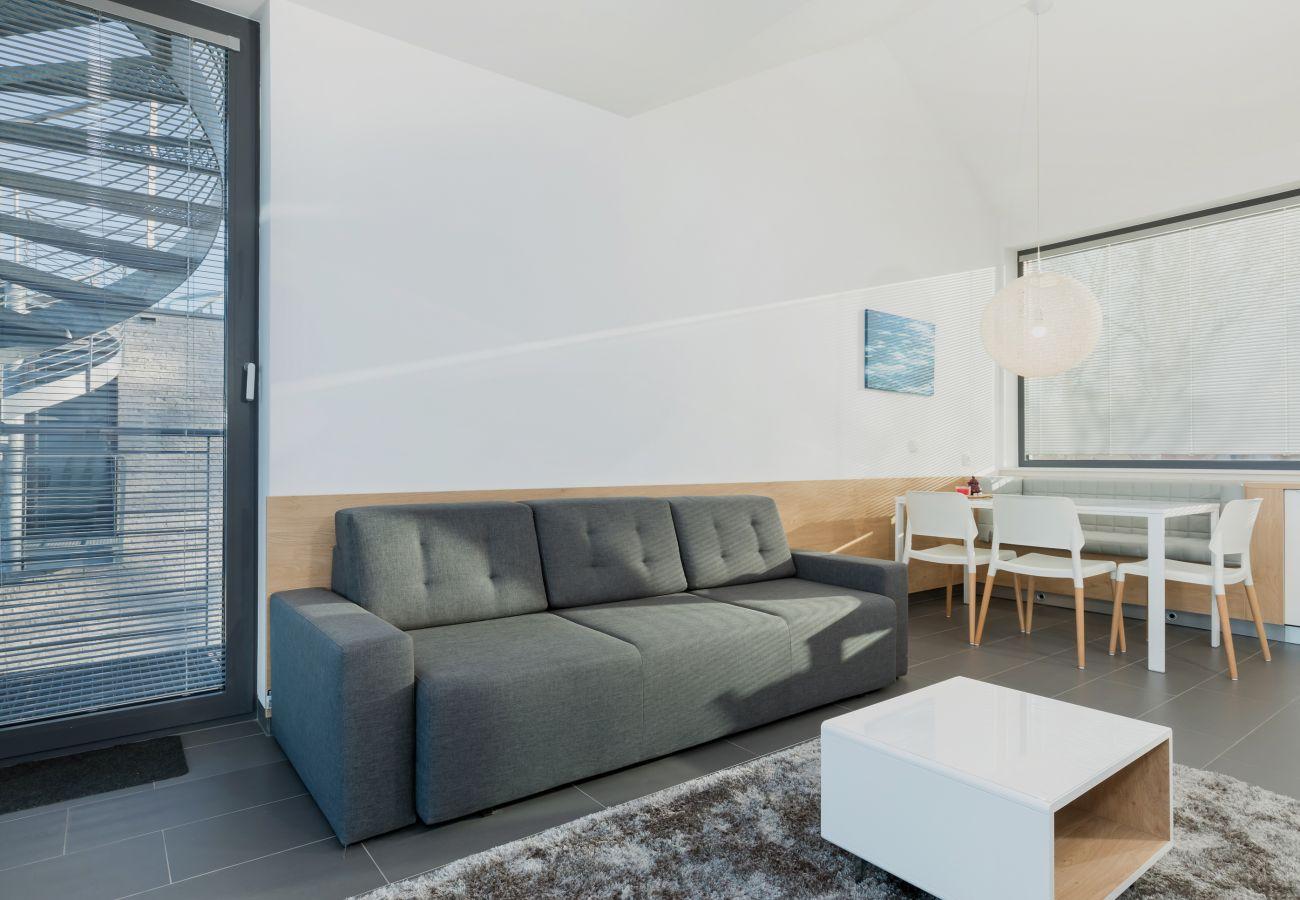 Wohnzimmer, Sofa, Couchtisch, Außenansicht, Essbereich, Küchenzeile, Miete