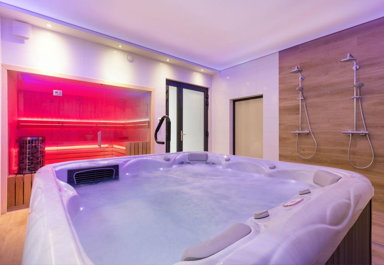 interior, jacuzzi, sauna, rent