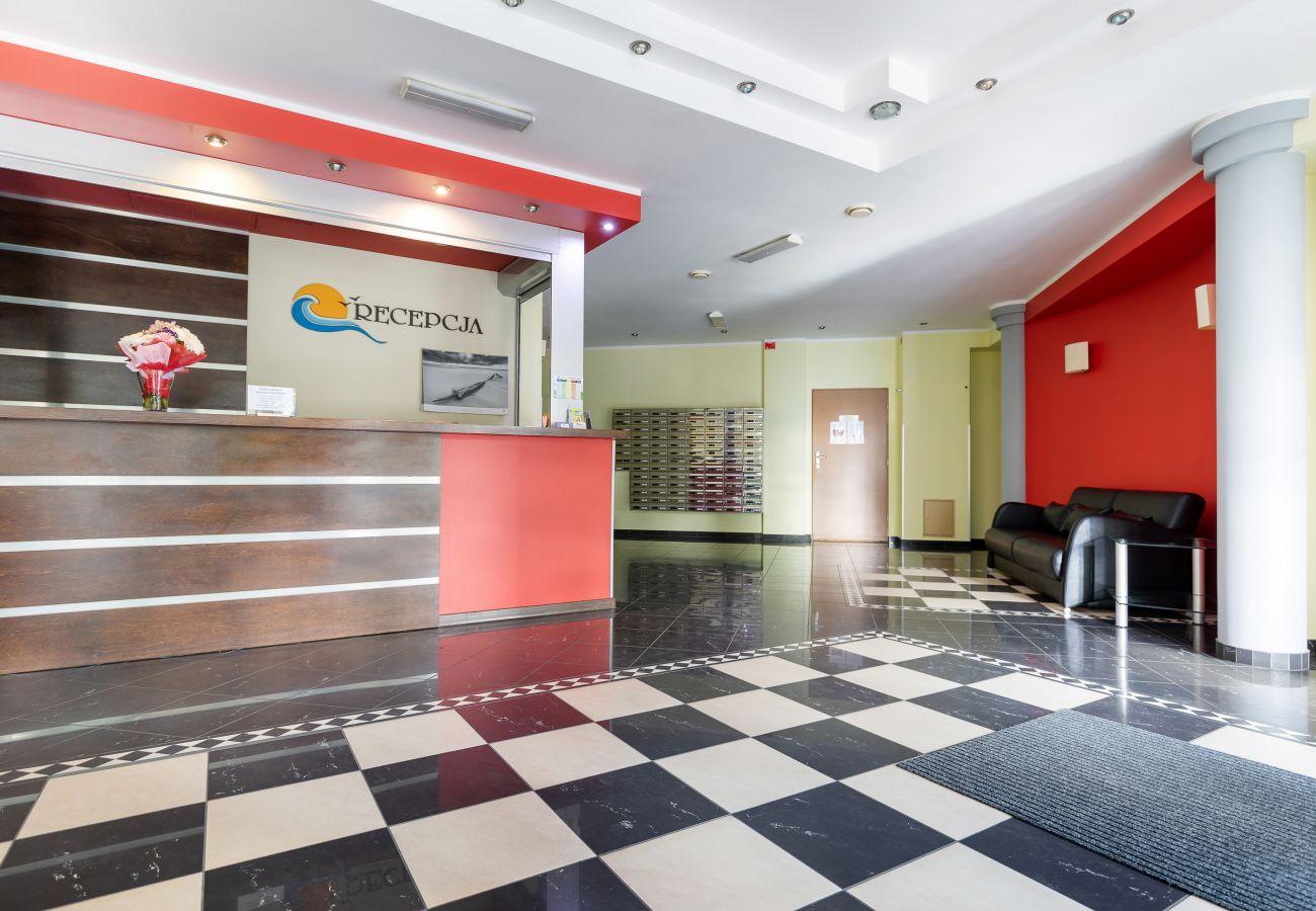 reception, ground floor, interior, entrance, rent