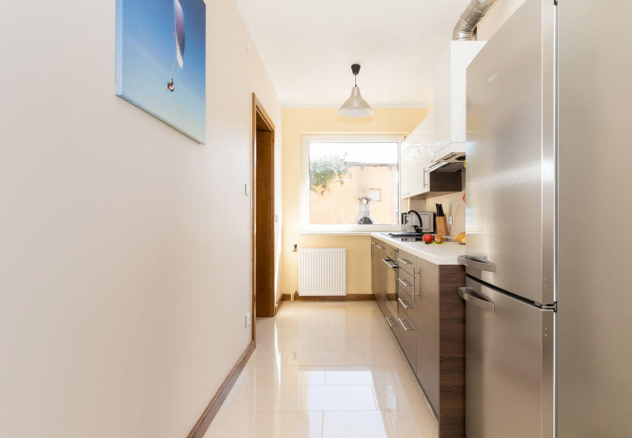 kuchnia, lodówka, obraz, okno