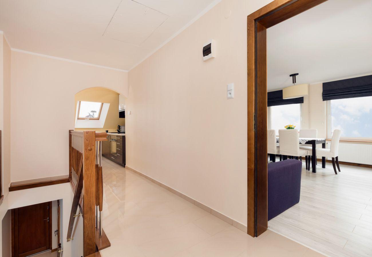 pokój, kuchnia, salon, schody