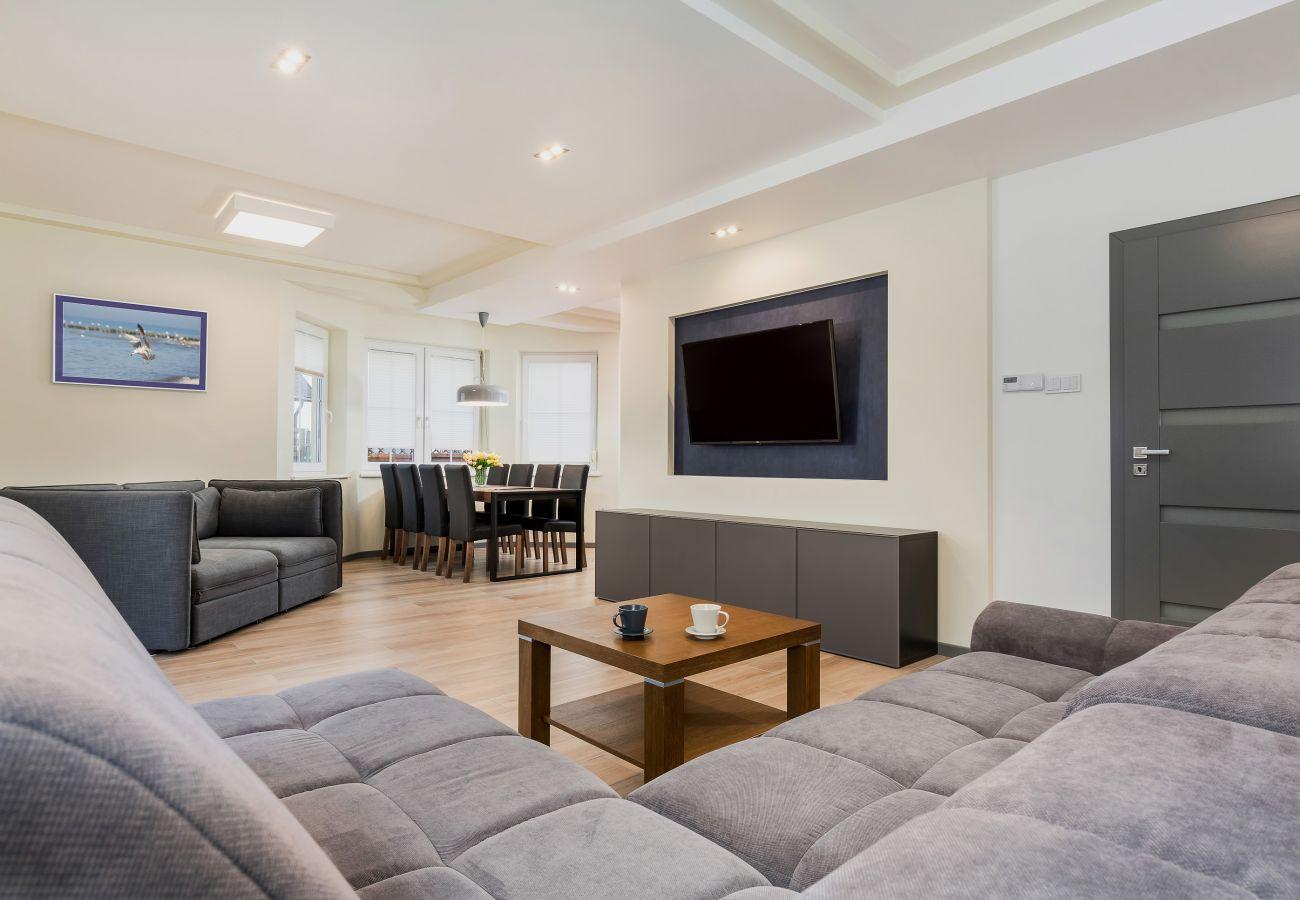 pokój, sofa, stolik, TV, obraz, wynajem