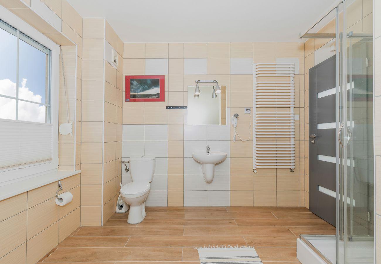 łazienka, umywalka, WC, lustro, prysznic, wynajem