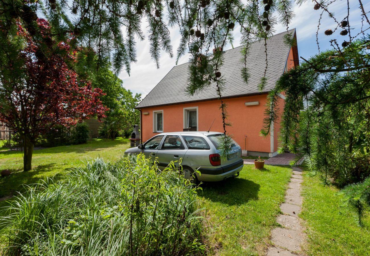 dom wakacyjny, Viking, wyspa Wolin, wynajem, zewnątrz, ogród, plac zabaw, wakacje, parking