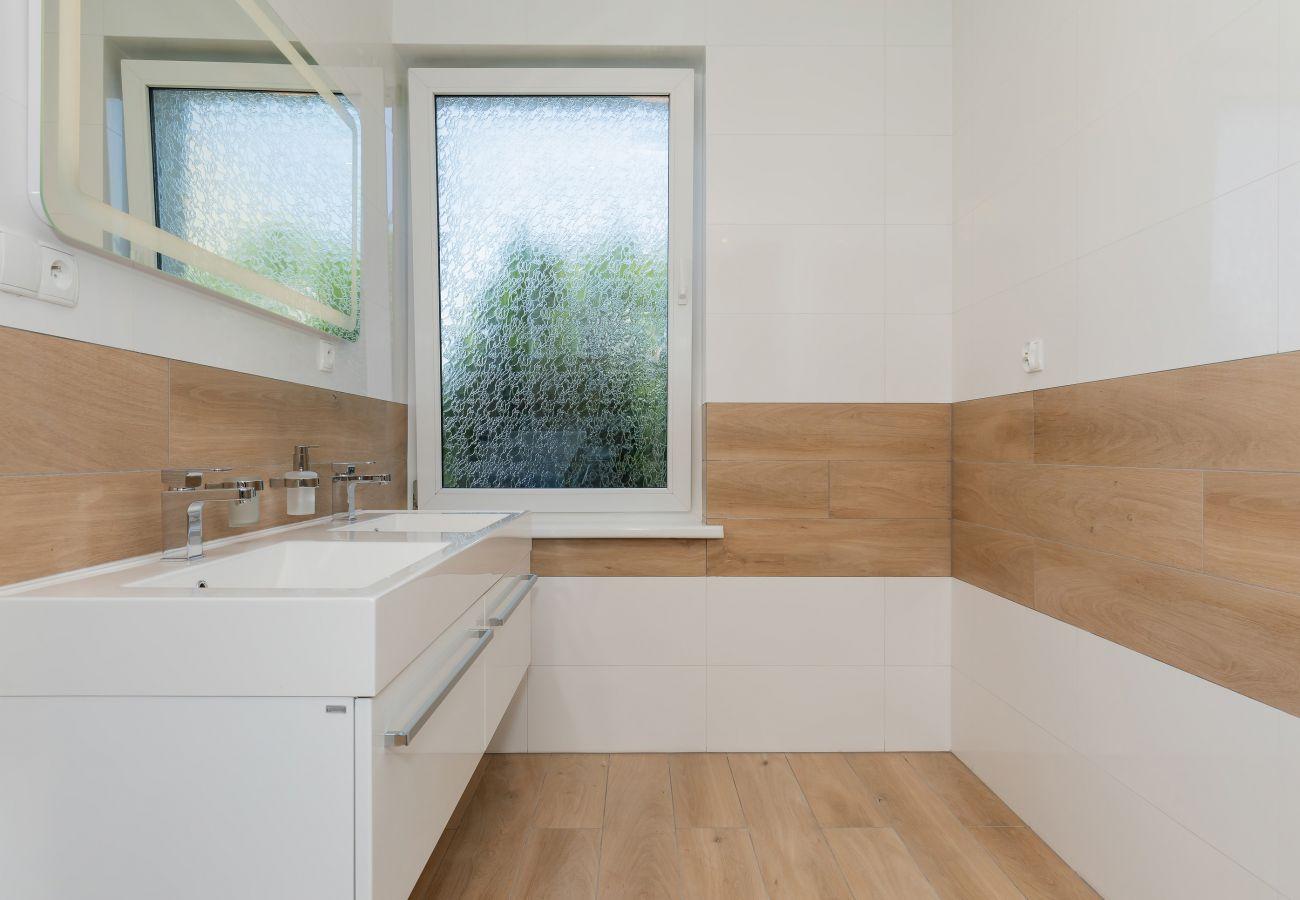 łazienka, umywalka, lustro, wynajem