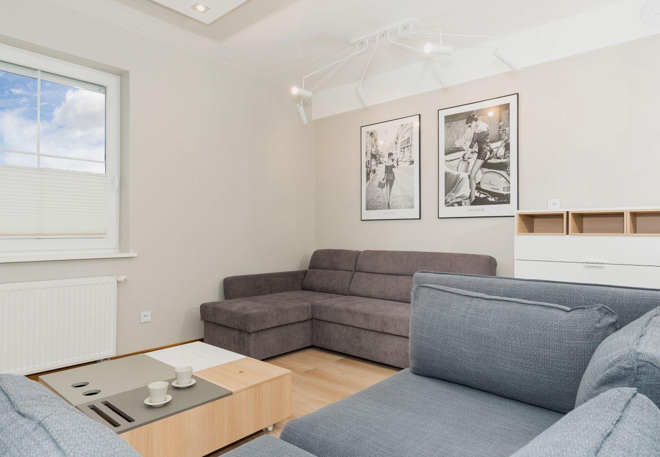 sofa, stolik do kawy, okno, salon, wynajem