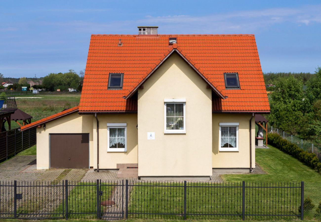 dom, widok zewnętrzny, garaż, wynajem