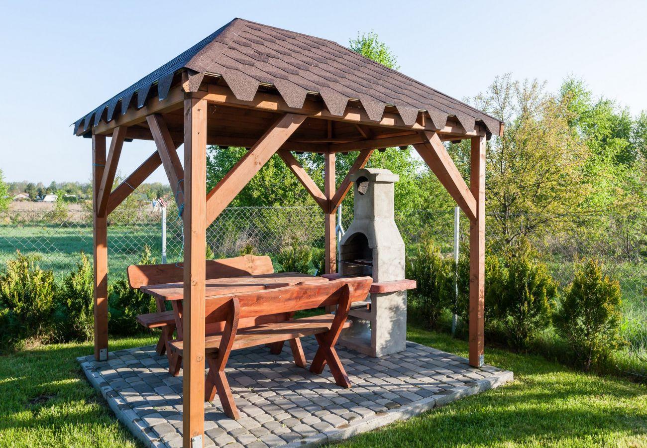 na zewnątrz, ogród, grill, stół, stół ogrodowy, wynajem