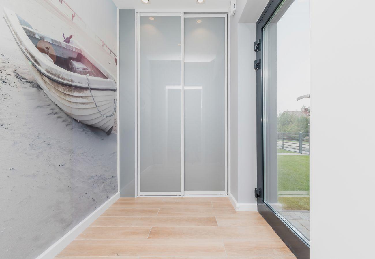 wnętrze, szklane drzwi, szafa