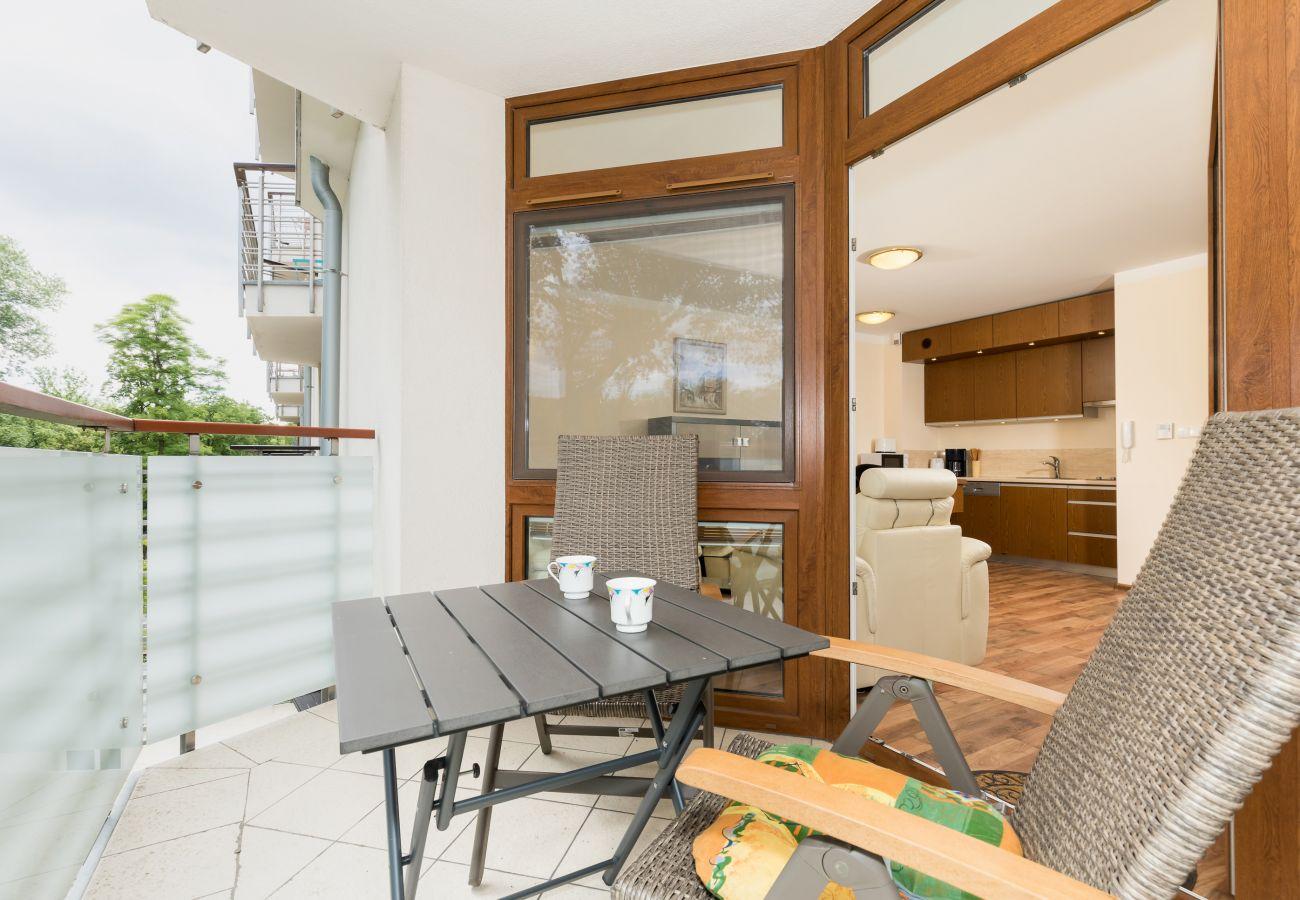 balkon, na zewnątrz, krzesło, stół, wynajem