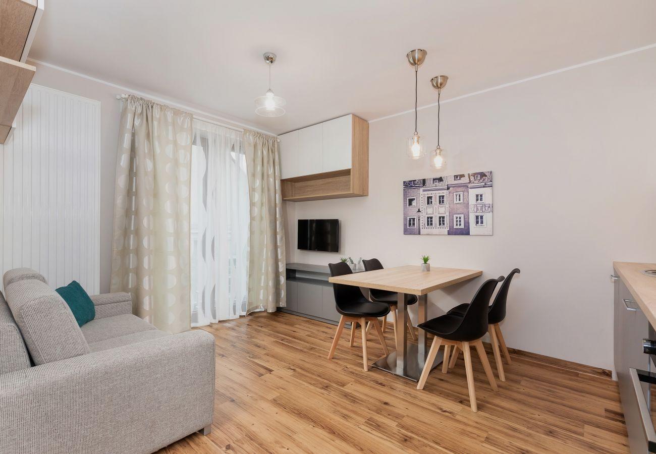 salon, jadalnia, sofa, telewizor, stół, krzesła, wynajem