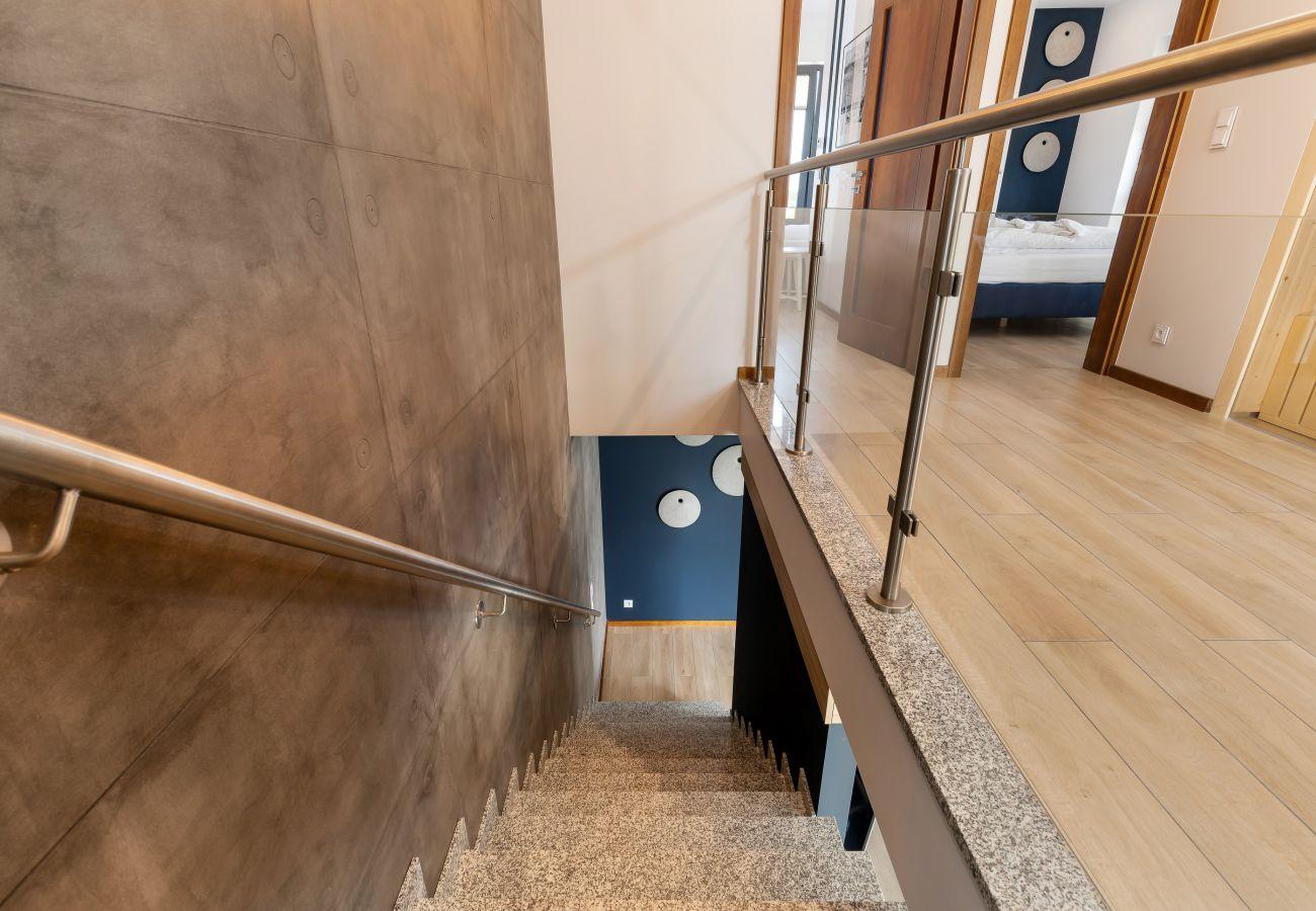 wnętrze, klatka schodowa, piętro, korytarz, wynajem