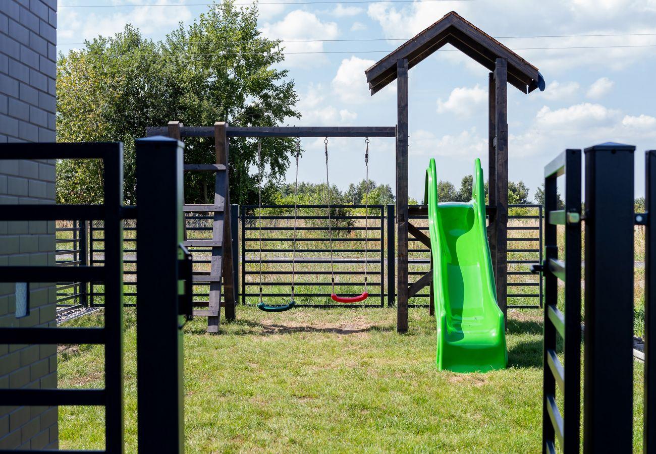 ogród, na zewnątrz, plac zabaw dla dzieci, widok na zewnątrz, wynajem