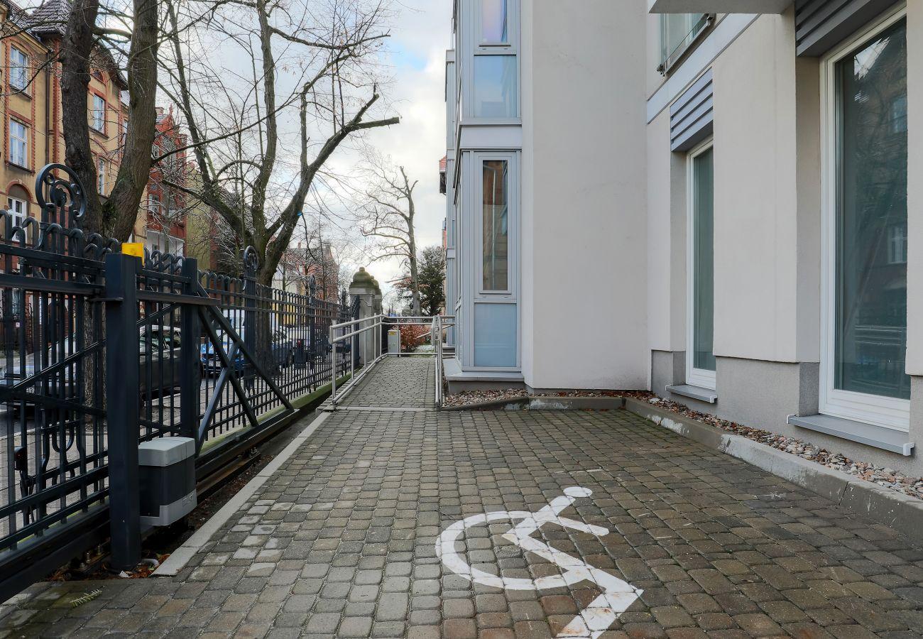 na zewnątrz, ulica, budynek mieszkalny na zewnątrz, budynek mieszkalny, mieszkanie, miejsce pobytu, wynajem