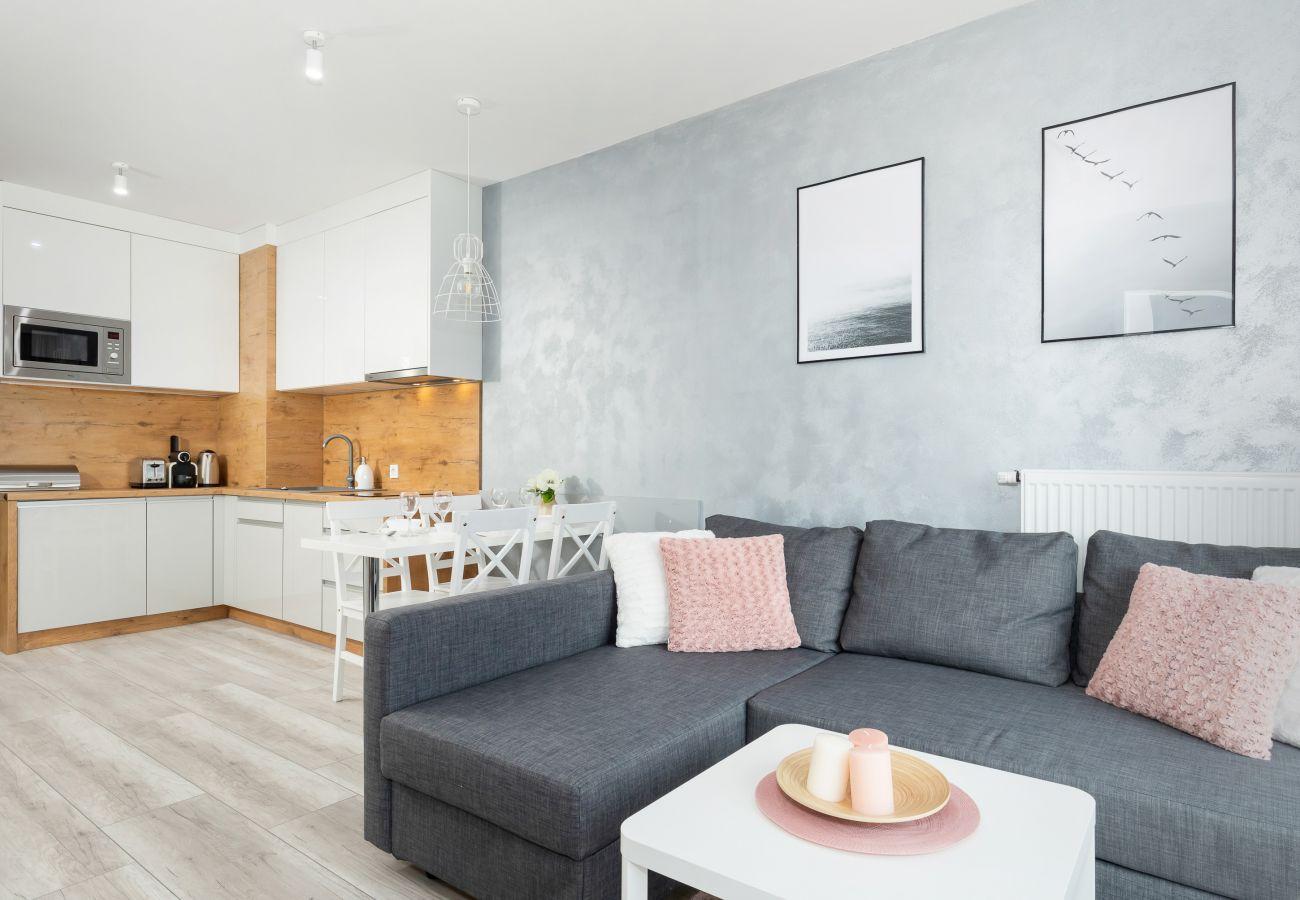 salon, jadalnia, stół, krzesła, sofa, stolik, telewizor, mieszkanie, wnętrze, wynajem