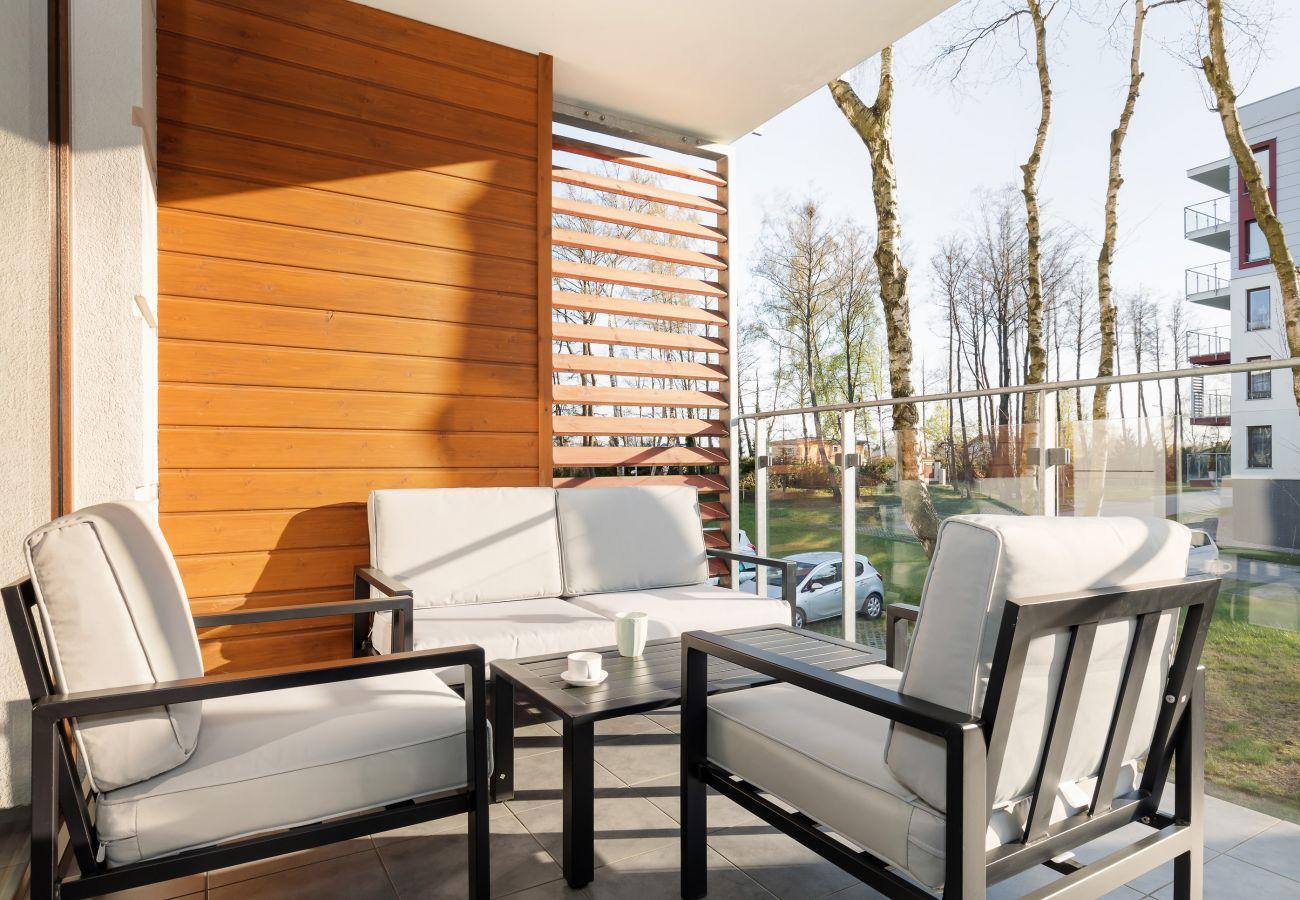 balkon, krzesła, stół, widok, widok z balkonu, apartament, na zewnątrz mieszkania, na zewnątrz, wynajem