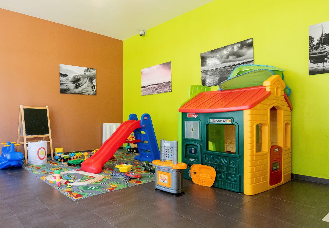 plac zabaw dla dzieci, mieszkanie na zewnątrz, mieszkanie, wnętrze, wynajem