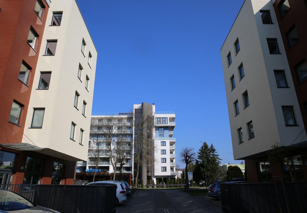na zewnątrz, budynek mieszkalny, apartament, na zewnątrz, na zewnątrz apartament, na zewnątrz budynek mieszkalny, wynajem