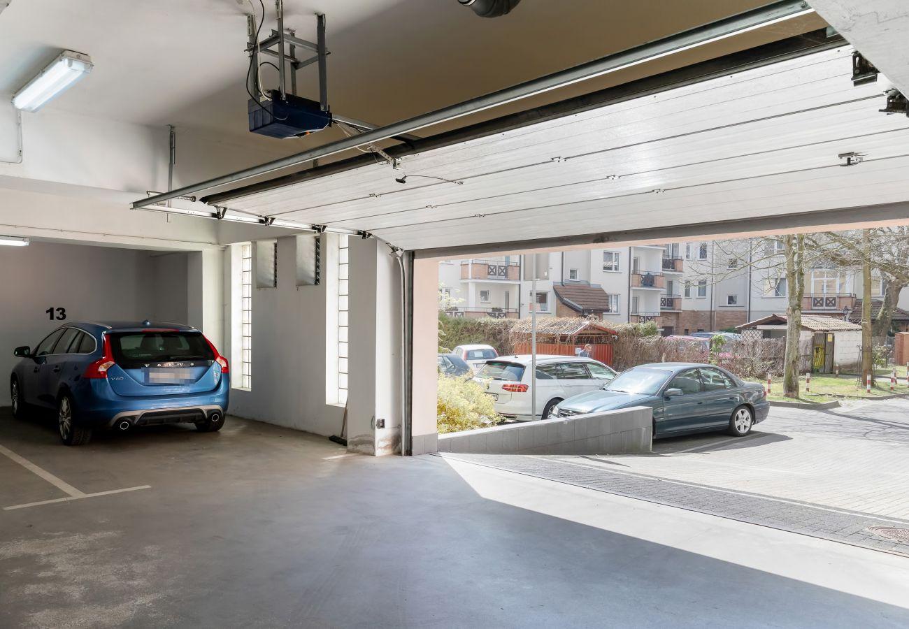 garaż, mieszkanie, wnętrze, parking, wnętrze budynku mieszkalnego, budynek mieszkalny, wynajem