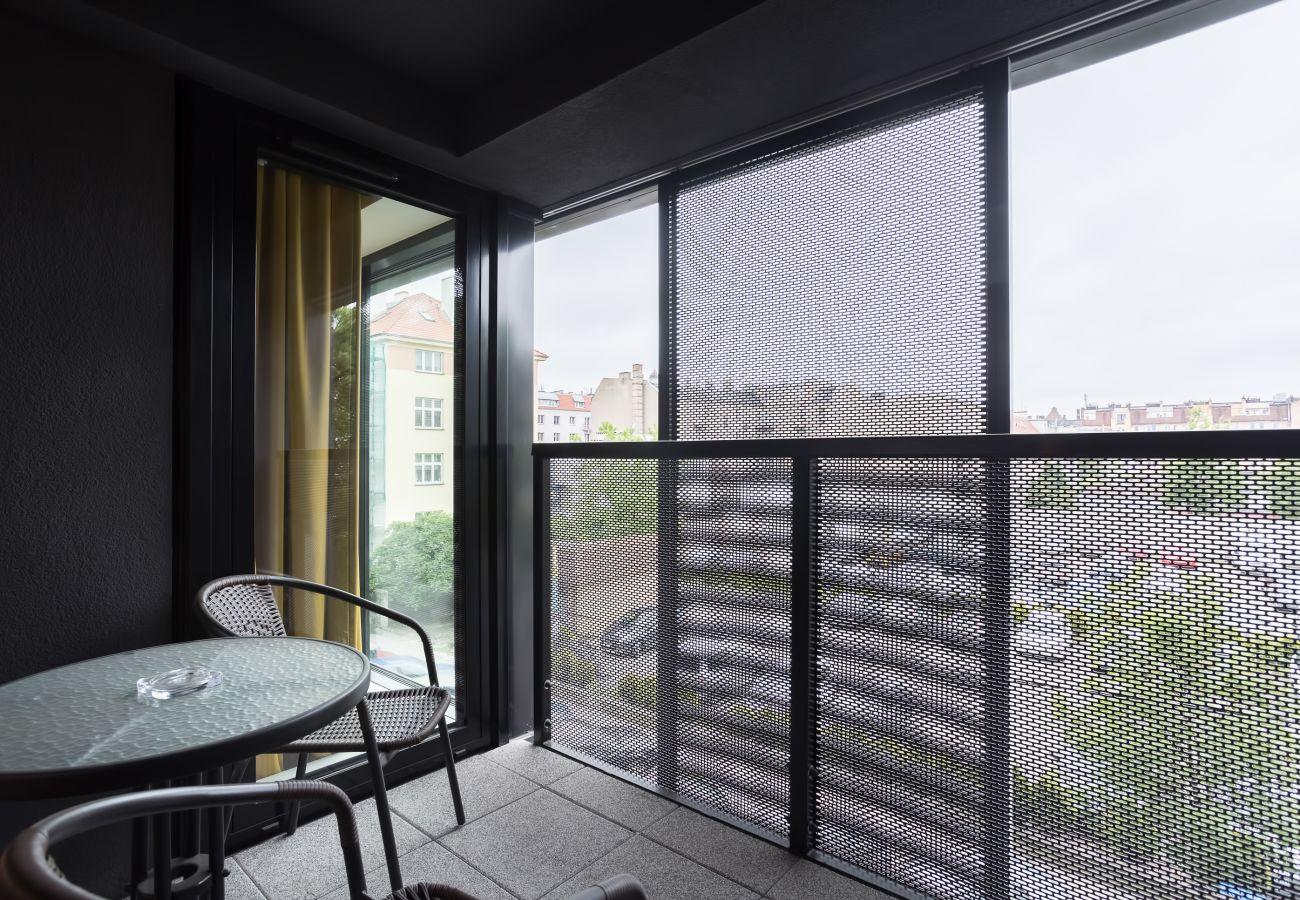 balkon, krzesła, stół, widok, widok z balkonu, mieszkanie, na zewnątrz, wynajem