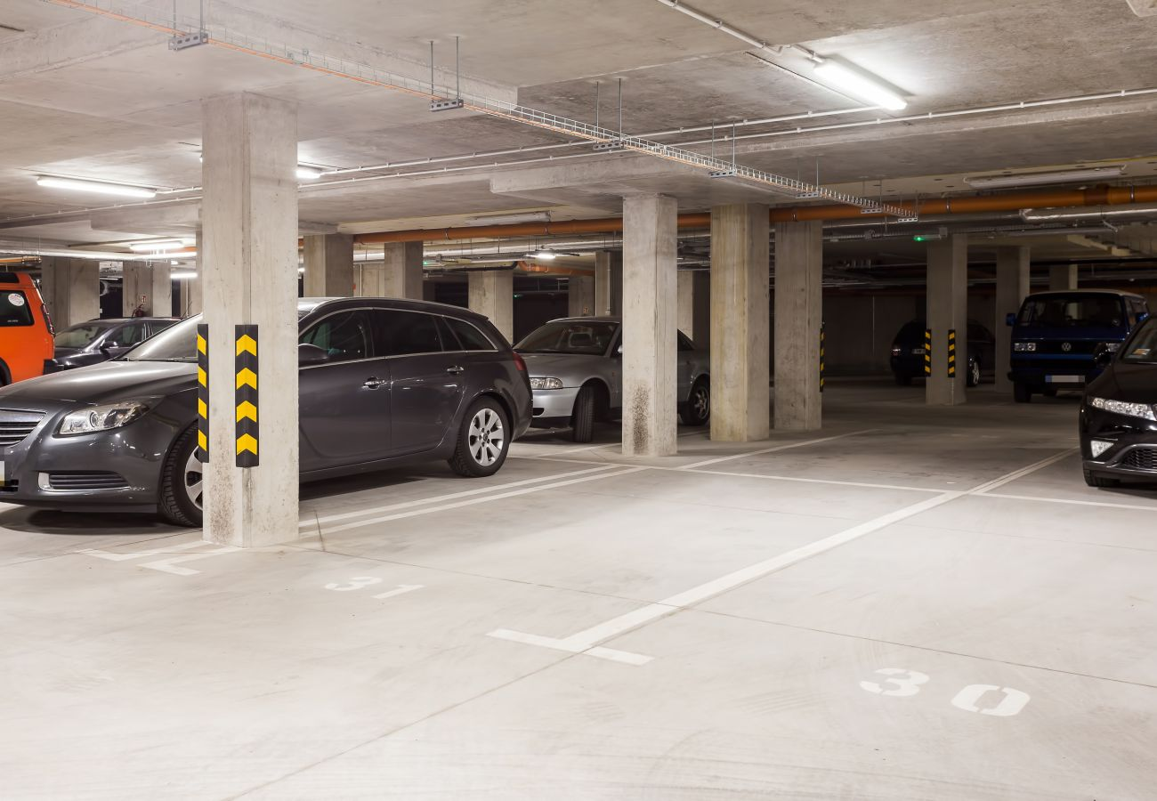 garaż, parking, mieszkanie, apartamentowiec, apartamentowiec wnętrze, wnętrze, wynajem