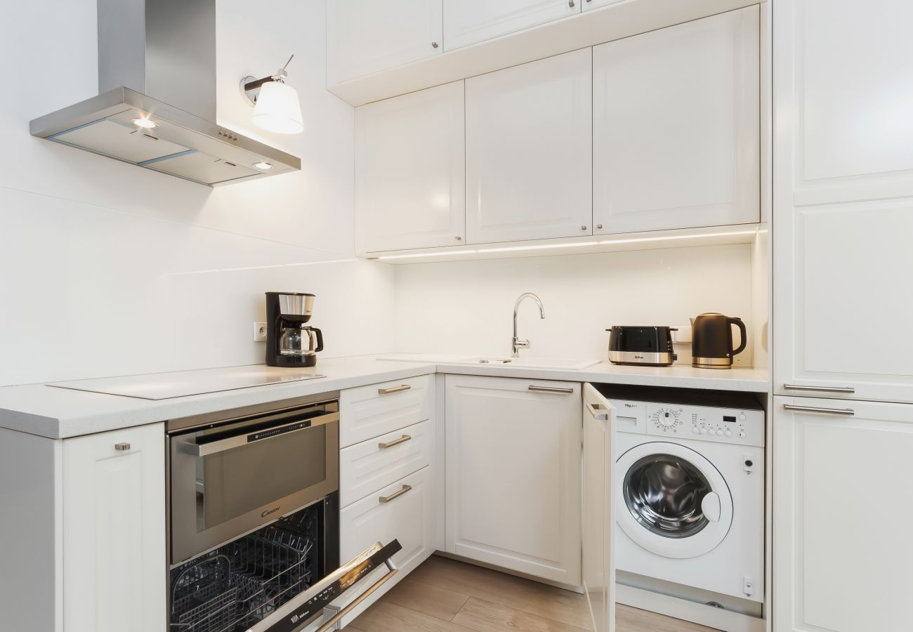 apartament, wynajem, kuchnia, piekarnik, zmywarka, pralka