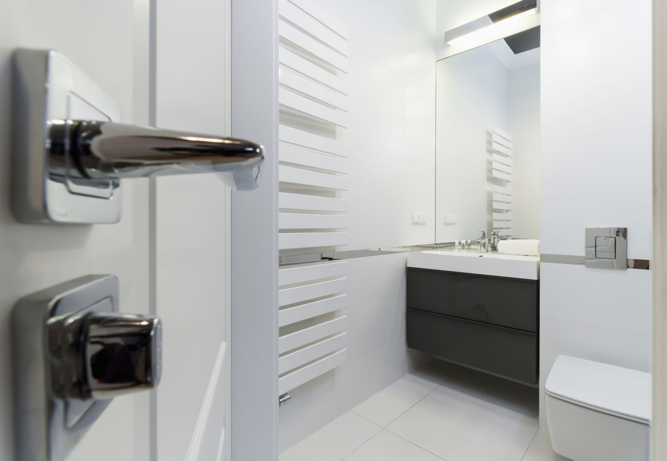 apartament, łazienka, wynajem, toaleta, prysznic