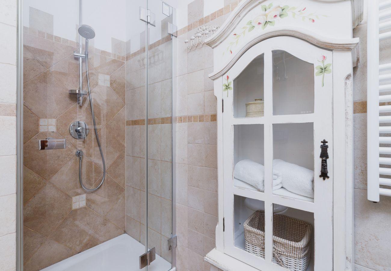 apartament, wynajem, łazienka, prysznic, pralka, Osada, Gubałówka, Zakopane, góry