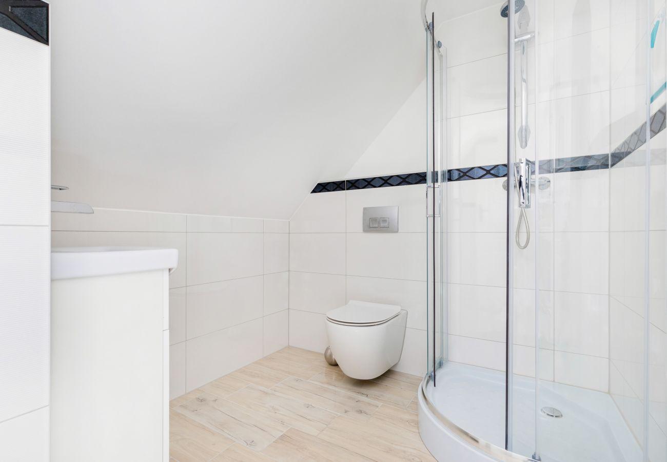 apartament, wynajem, łazienka, prysznic, toaleta, pralka