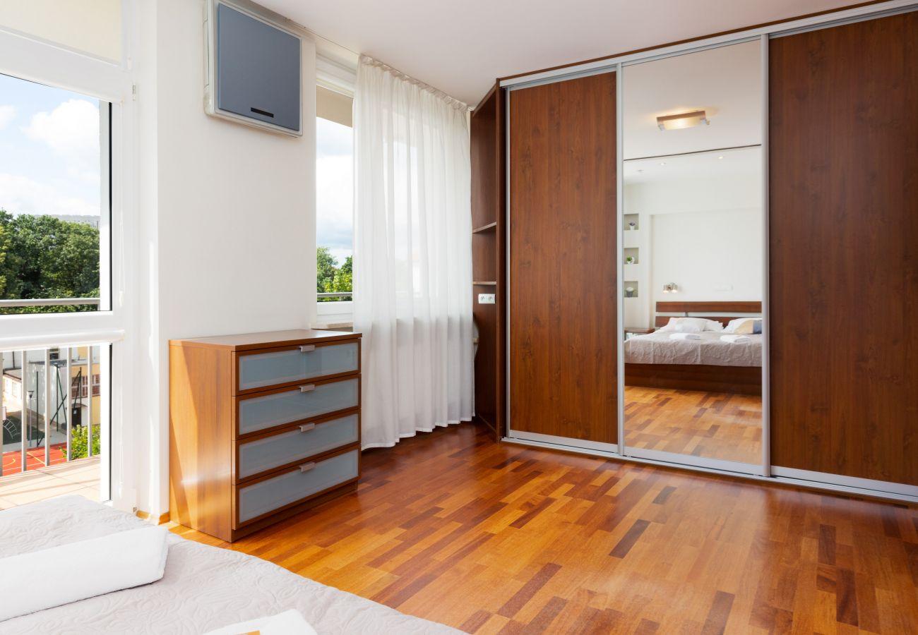 Apartament w Warszawa - Niecała 6/46