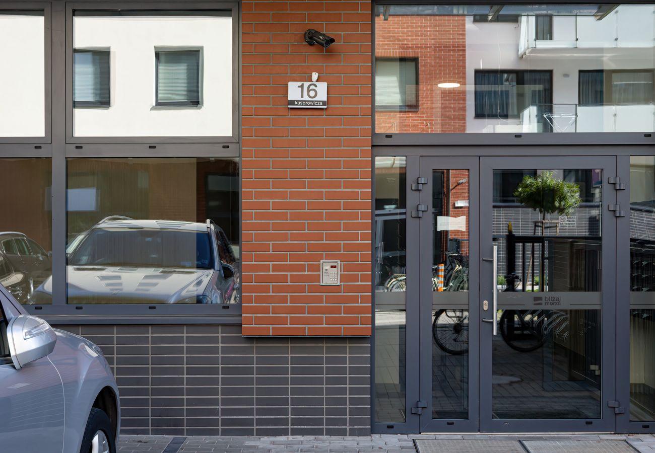 widok z zewnątrz, na zewnątrz, budynek mieszkalny, wynajem, apartament, Bliżej Morza, Kasprowicza 16, Kołobrzeg