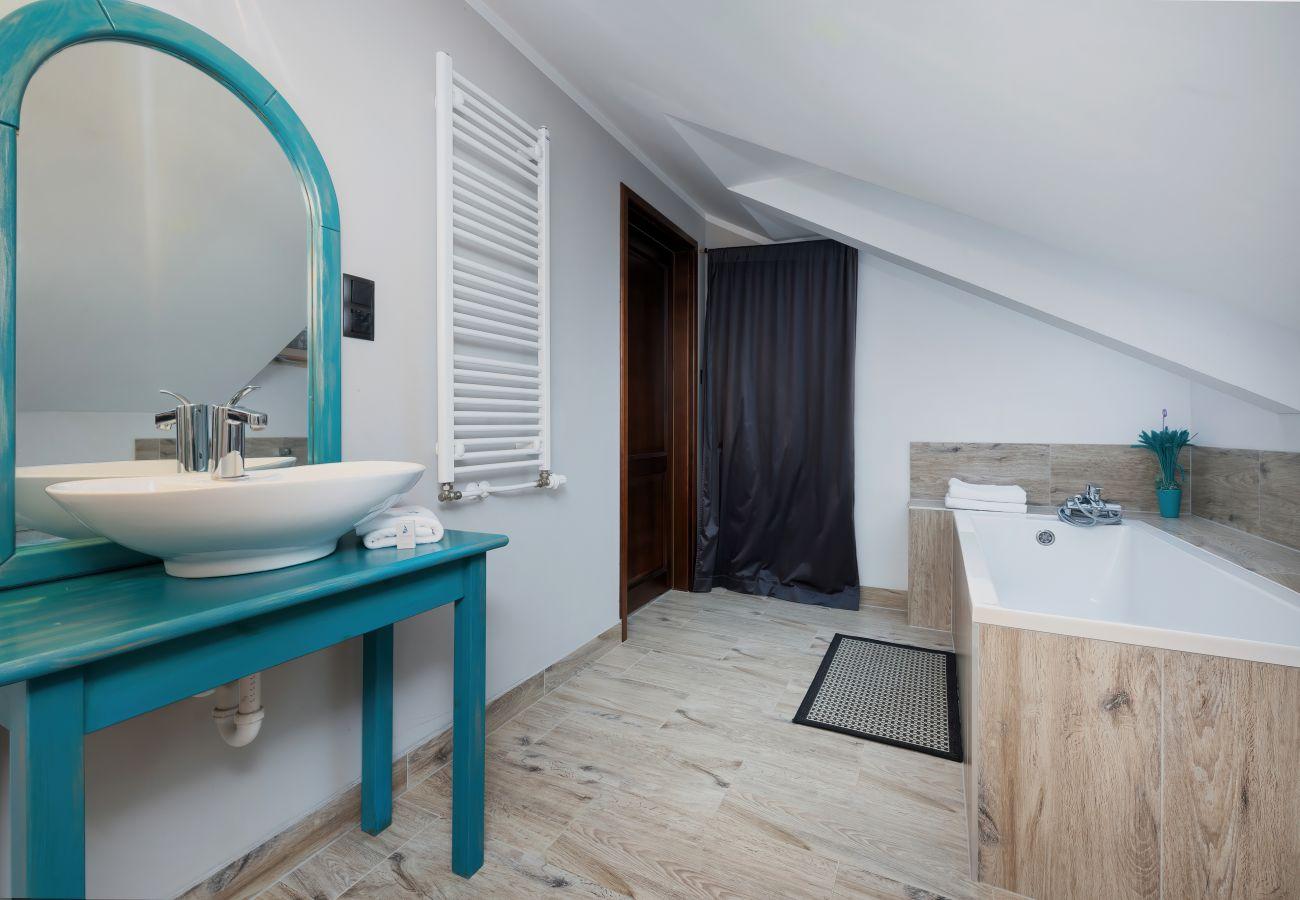 łazienka, wanna, WC, umywalka, wynajem, ręczniki, dom wakacyjny