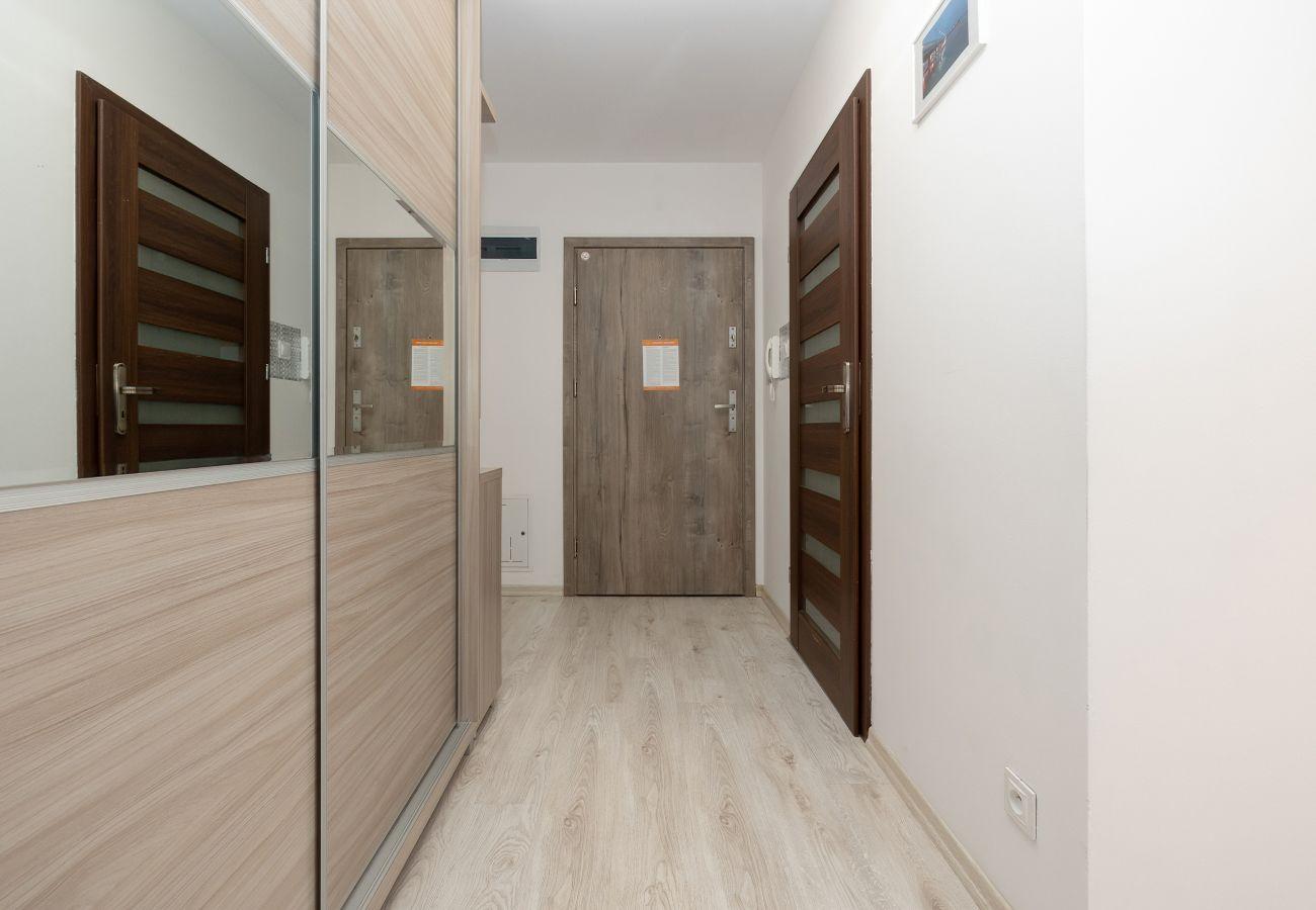 wnętrze, mieszkanie, korytarz, budynek mieszkalny, wejście, wynajem, apartament