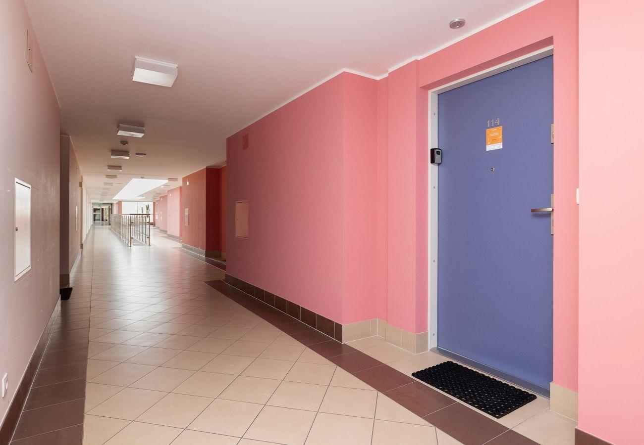 wnętrze, korytarz, mieszkanie, apartamentowiec, budynek mieszkalny wnętrze, winda, wynajem